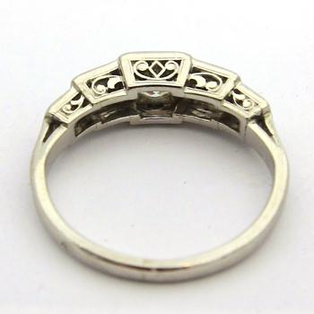 Top Bague platine diamants 643 – Bagues anciennes Art Deco - Bijoux  NT64