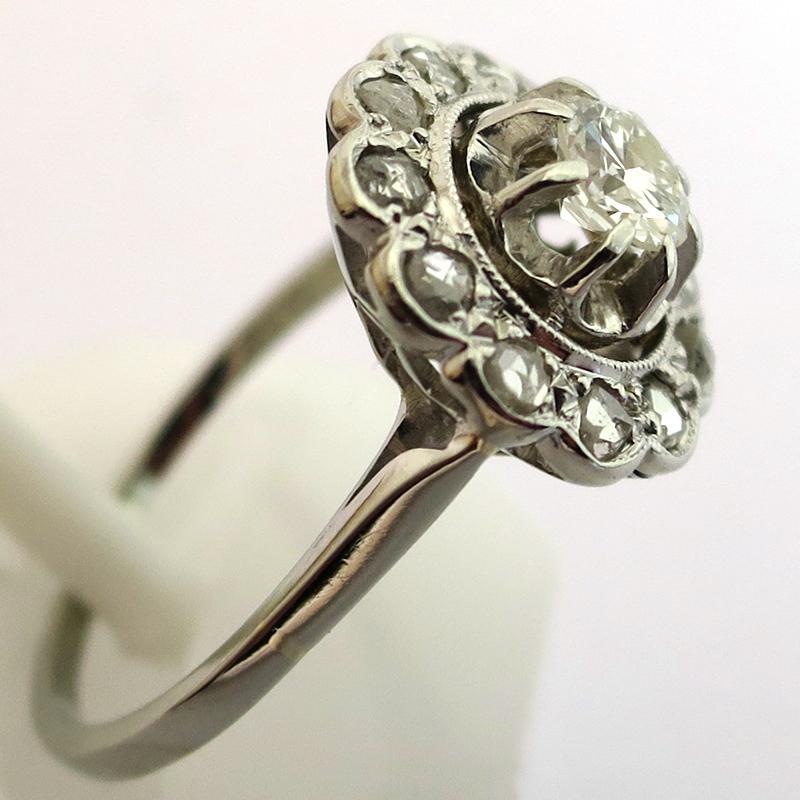 bague marguerite ancienne ronde polylob e monture or gris platine diamants 1509 bijoux anciens. Black Bedroom Furniture Sets. Home Design Ideas