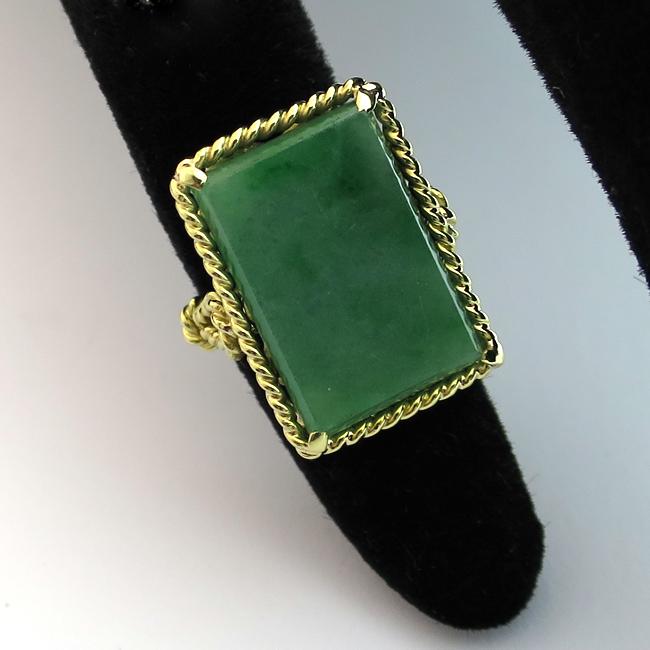 bague jade monture or jaune 1482 bijoux anciens paris or. Black Bedroom Furniture Sets. Home Design Ideas