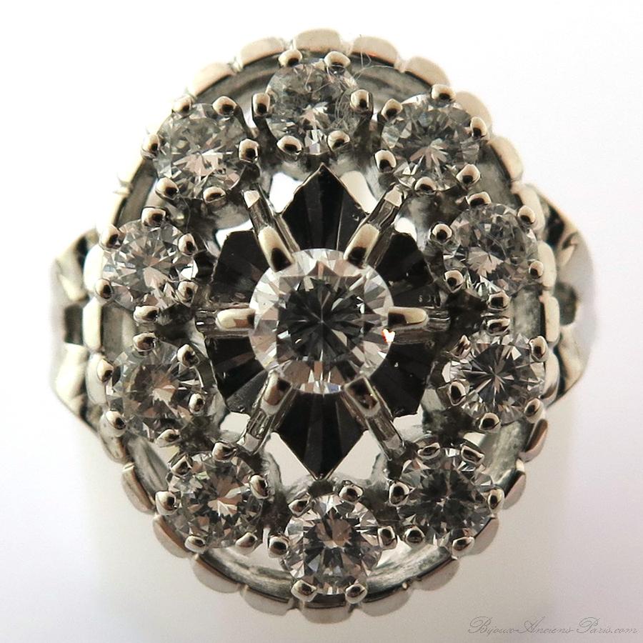 bague ovale ancienne onze diamants sur or blanc 1621. Black Bedroom Furniture Sets. Home Design Ideas