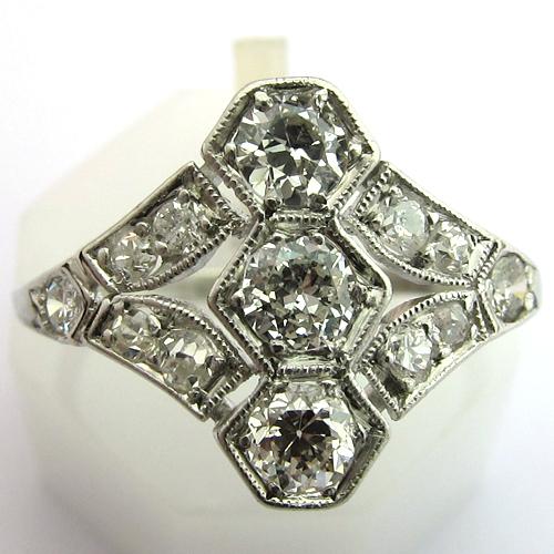 bijoux art deco bague en platine et diamants 1295. Black Bedroom Furniture Sets. Home Design Ideas