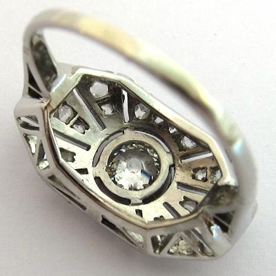 bagues anciennes bague platine diamants ancienne 1166. Black Bedroom Furniture Sets. Home Design Ideas