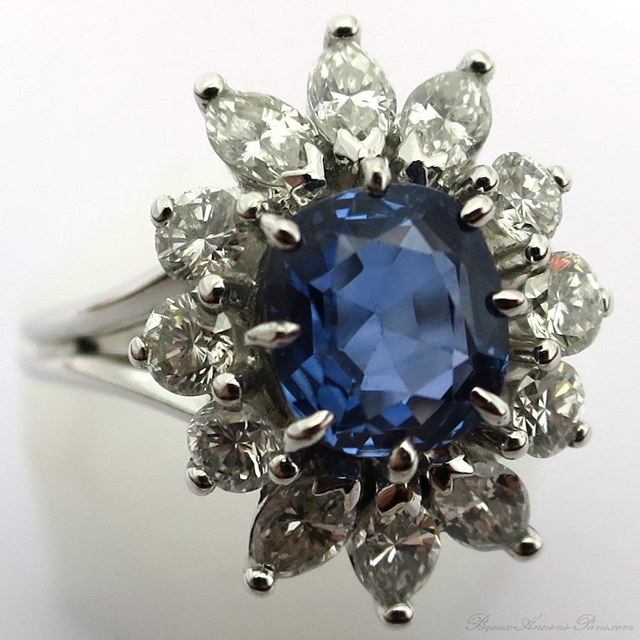 bijoux de luxe d occasion en ligne tr s belle bague de fian ailles saphir diamants 1526. Black Bedroom Furniture Sets. Home Design Ideas
