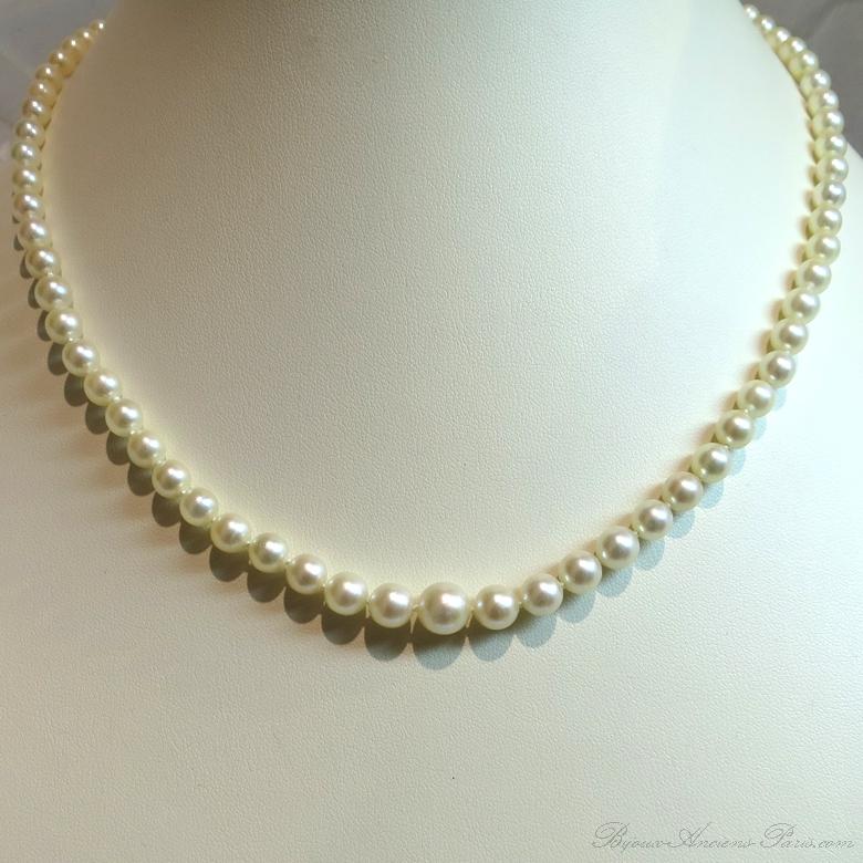 collier de perles de culture blanches du japon en chute 252 bijoux anciens paris or. Black Bedroom Furniture Sets. Home Design Ideas
