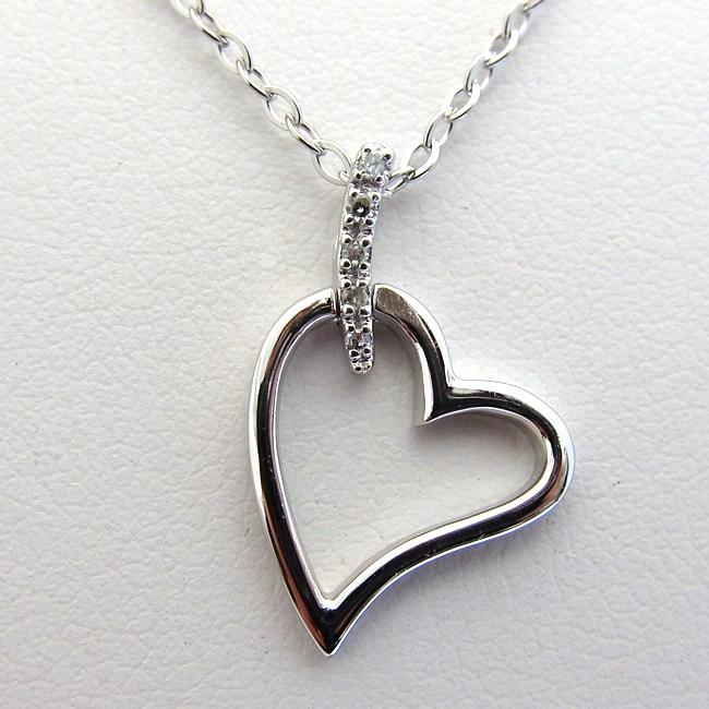 coeur diamant chaine et pendentif 210. Black Bedroom Furniture Sets. Home Design Ideas