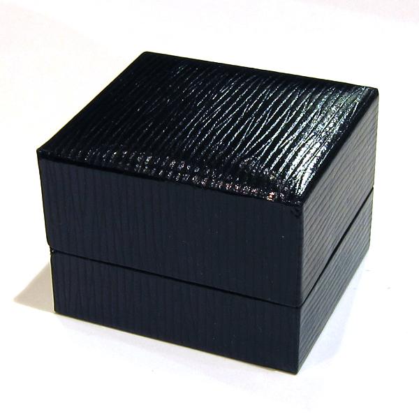 vente d 39 crins et bo tes bijoux ecrin de bague. Black Bedroom Furniture Sets. Home Design Ideas